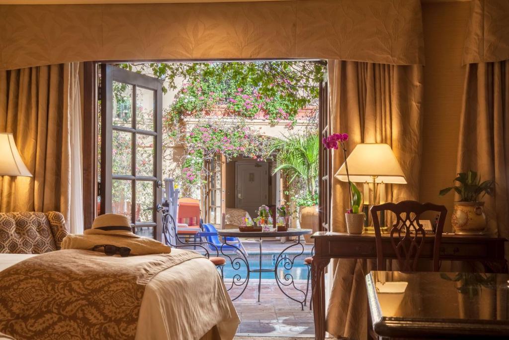 Best Western Plus Sunset Plaza Hotel Photo #13