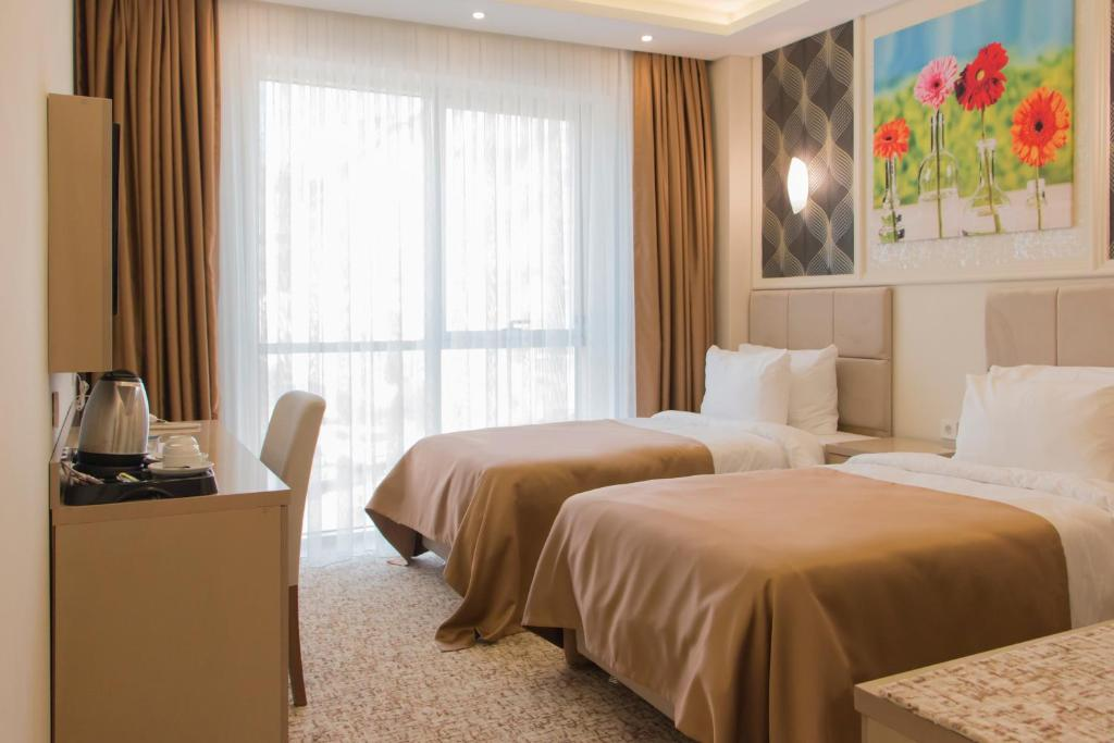 Large Double Room Goldhan Hotel