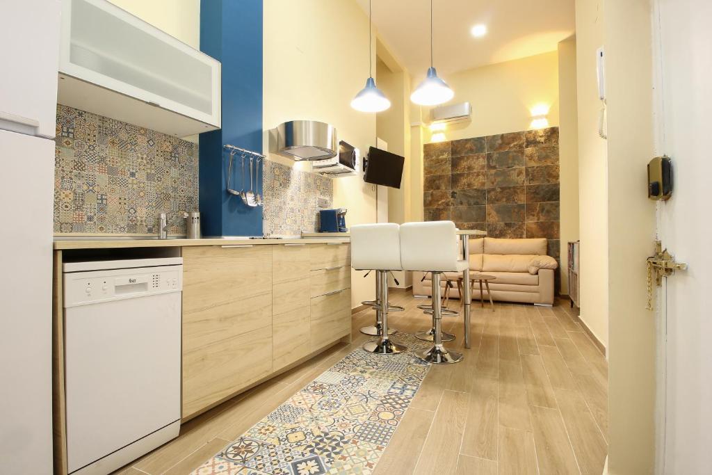 RentalSevilla Deluxe Apartment in La Giralda
