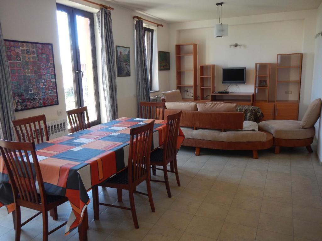 Spacious apartment in Aygedzor street