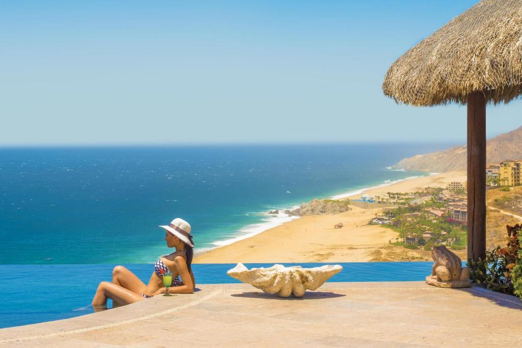 One of a Kind Oceanfront Estate Villa Turquesa 4BR