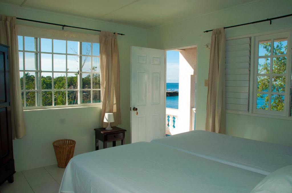Twin Room Alvynegril Guest House