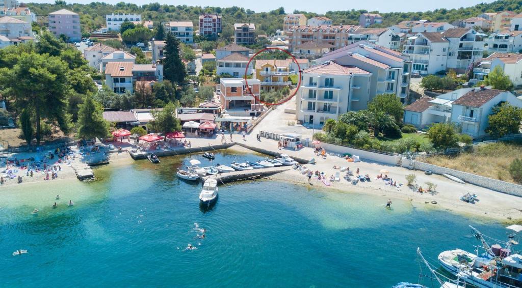 Apartments by the sea Okrug Gornji, Ciovo - 8440