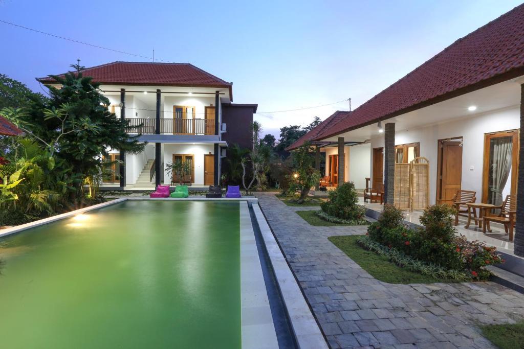 Green Papaya House