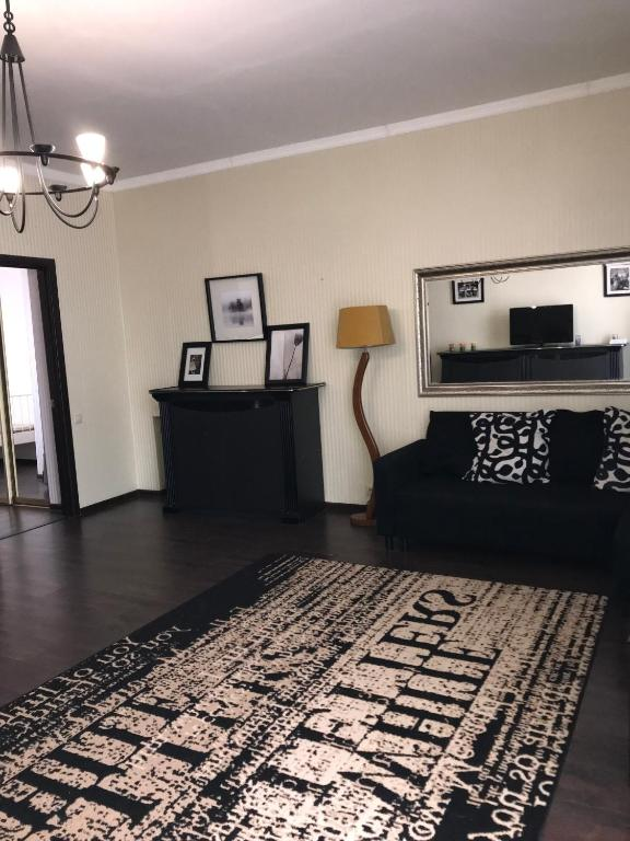 Apartments on Alleya Geroyev 4
