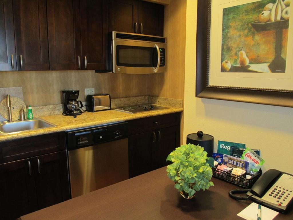 La Quinta Inn Bossier City - Bossier City - book your hotel with ...