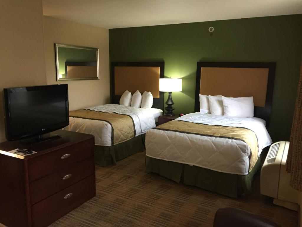 Ramada by Wyndham Phoenix Midtown - Phoenix - book your hotel with ...