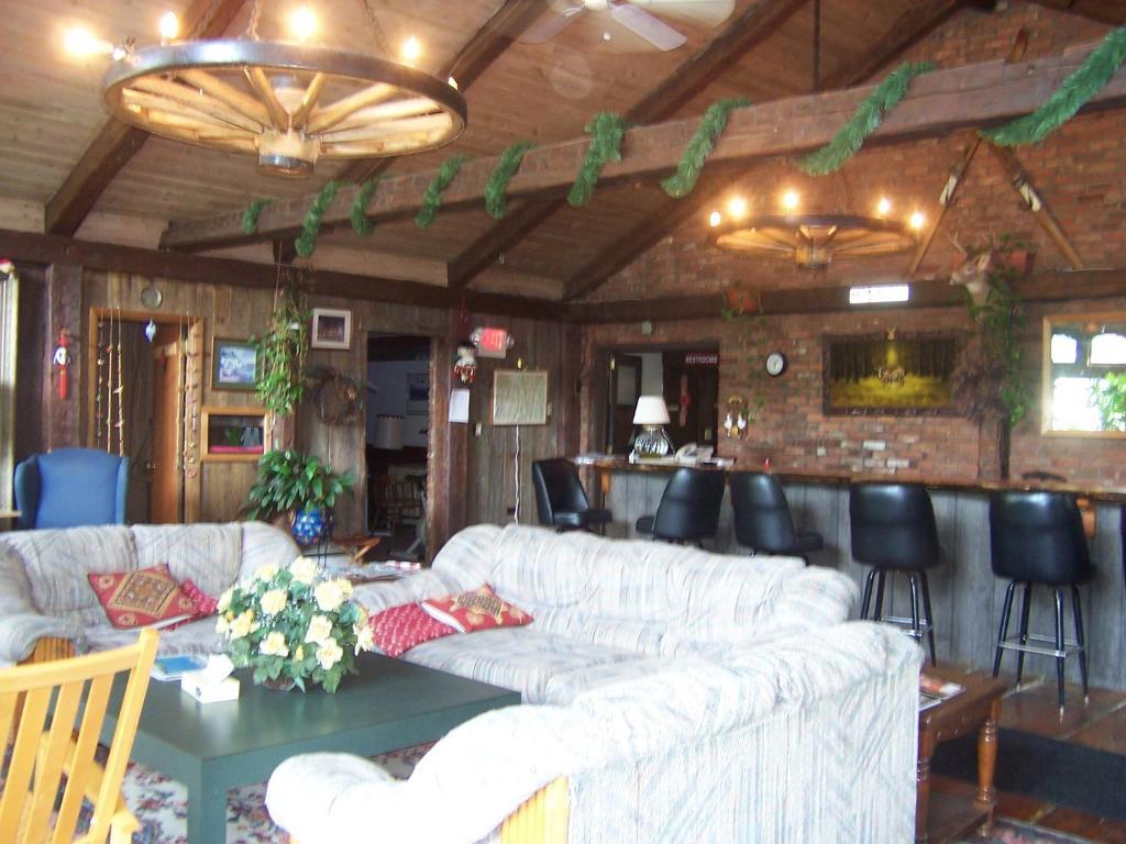 Killington pico motor inn mendon prenotazione on line for Killington pico motor inn