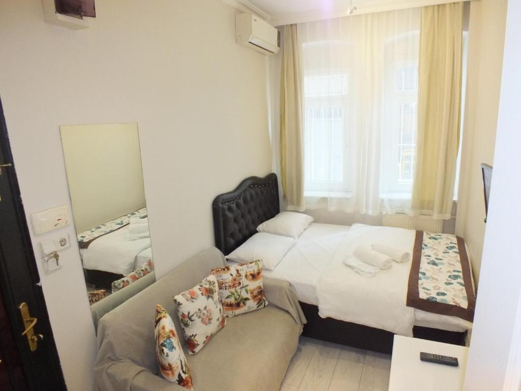 Economy Double Room - Ground Floor Taksim 9 Suites Apartments