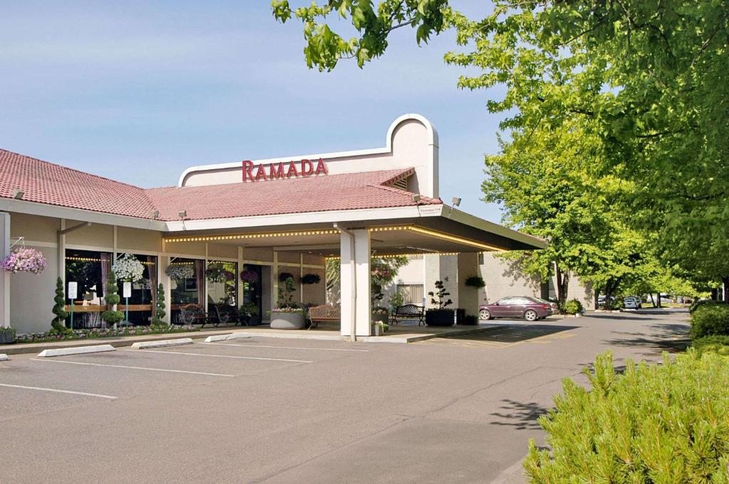 Ramada by Wyndham Portland Airport