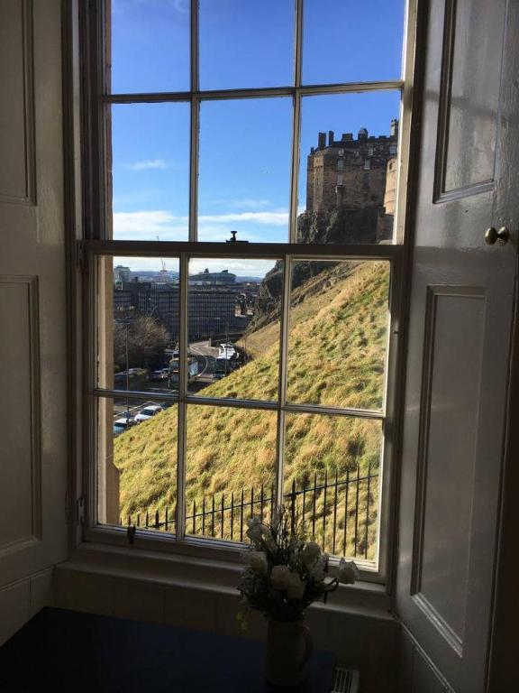 Castle Wynd - Historic Edinburgh Castle Views Central Apartment