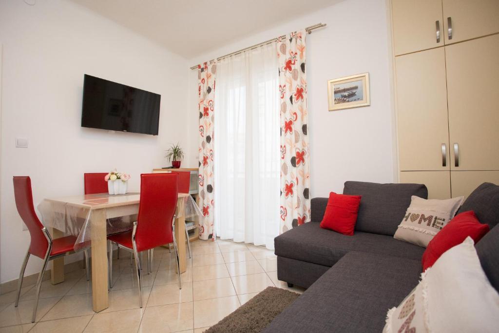 Split Center Beautiful Apartment