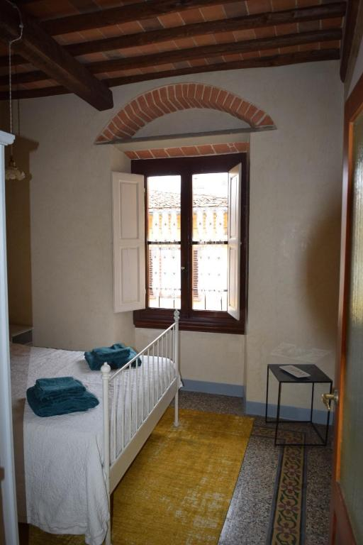 Calzaiuoli luxury and characteristic apartment