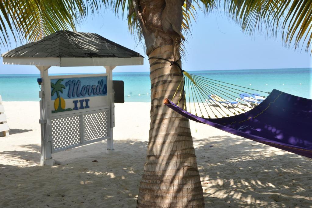 Merrils Beach Resorts lll