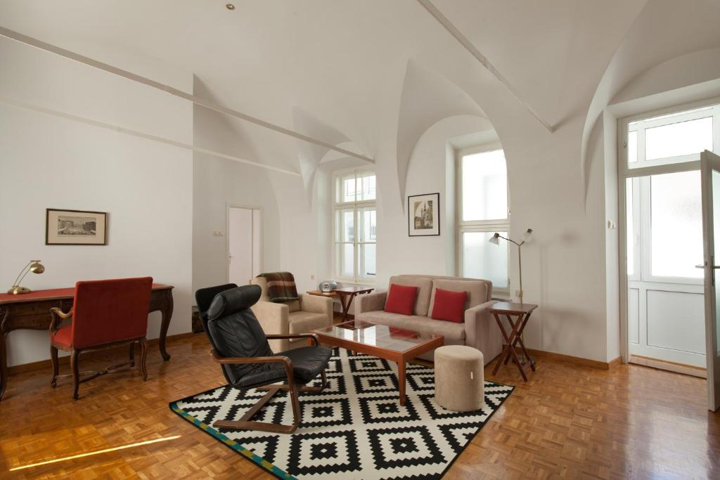 Charming apartment Laura by Town Hall