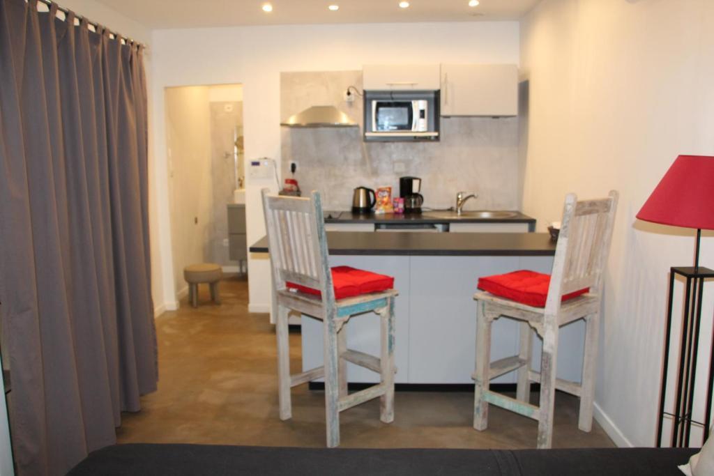 le lodge de l 39 avocatier r servation gratuite sur viamichelin. Black Bedroom Furniture Sets. Home Design Ideas