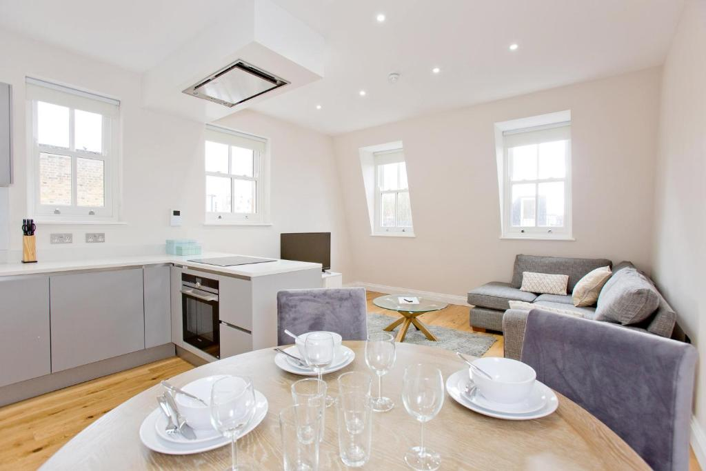 Flat 5 Cromwell Road 1 Bedroom Duplex Apartment
