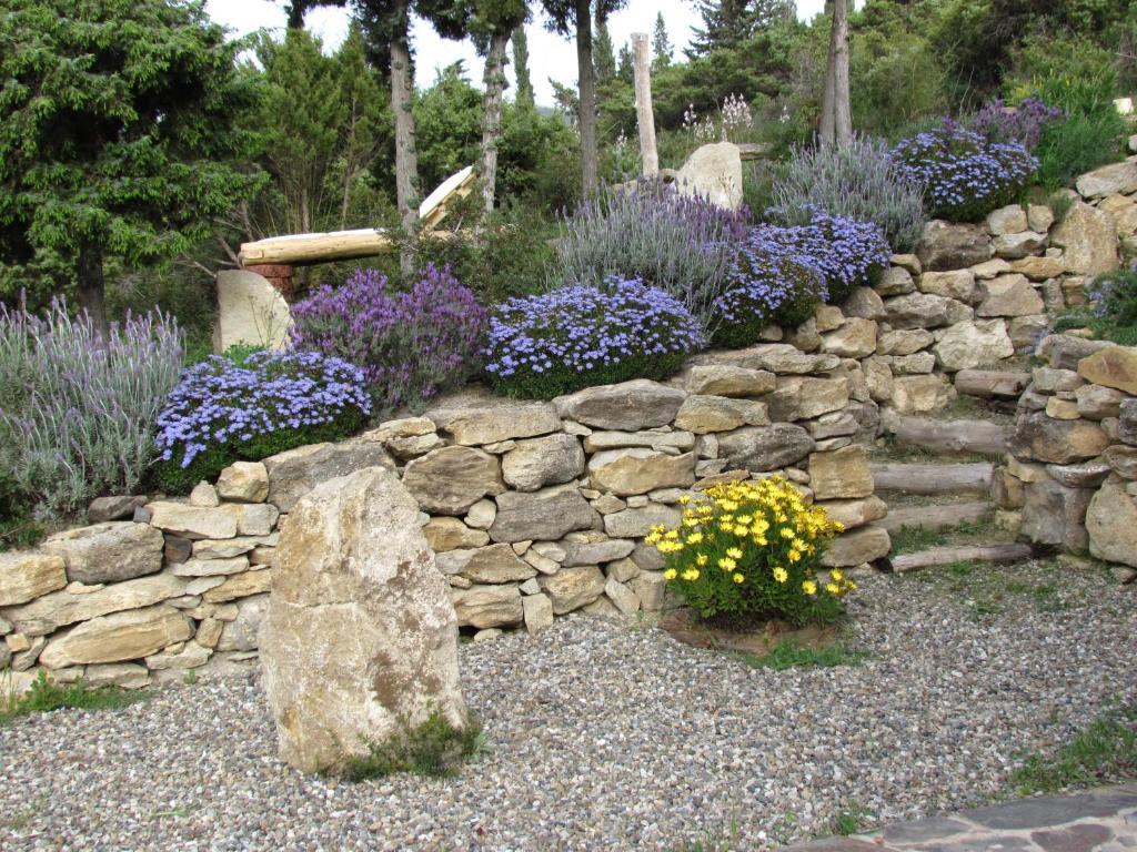 Stone Cottage image2
