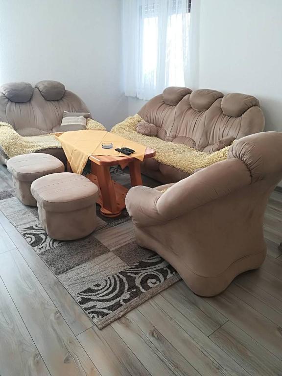 apartmani ko uta ljiljana okanovi pale informationen und buchungen online viamichelin. Black Bedroom Furniture Sets. Home Design Ideas
