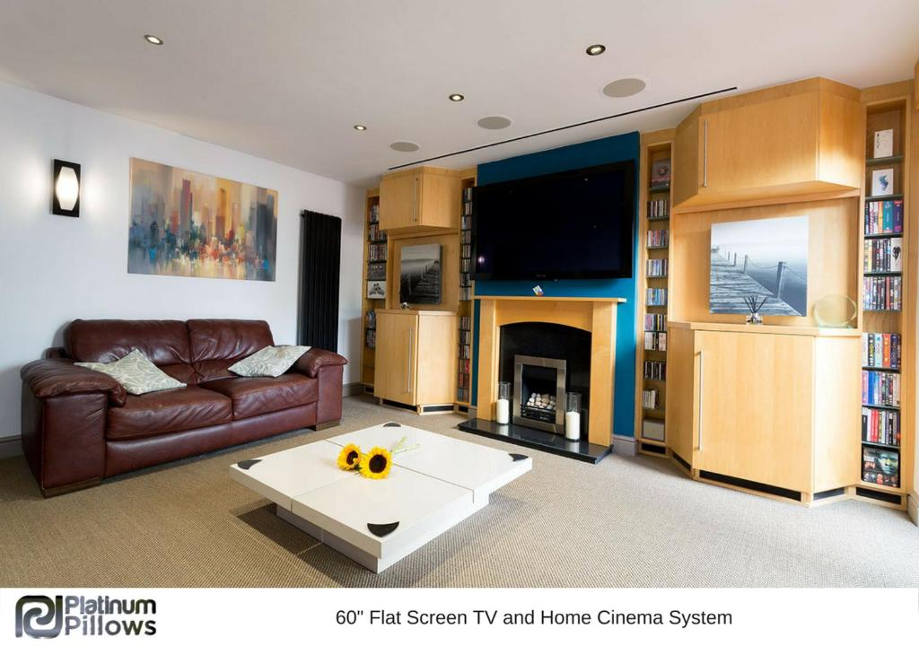 Cherwell Gates 4 Bed Luxury Oxford Apartment for 8 with Roof terrace