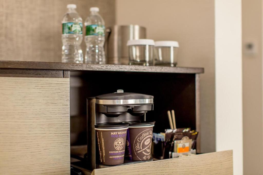 DoubleTree by Hilton Hotel & Suites Jersey City Photo #10