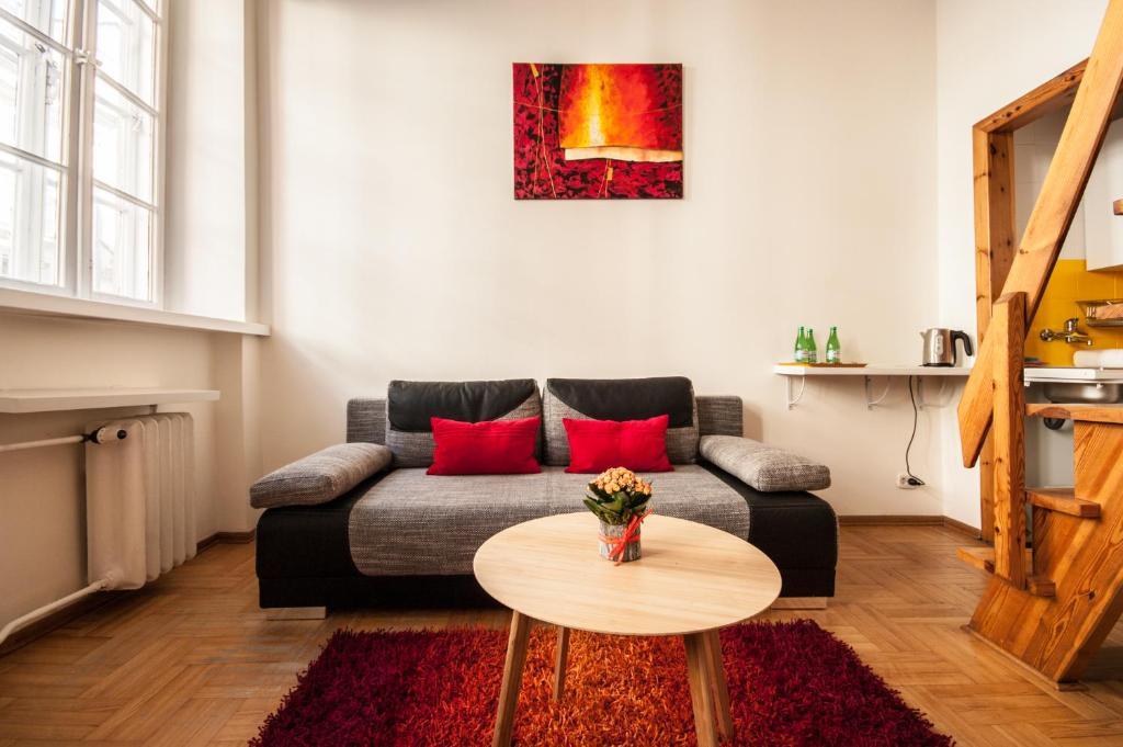 Elegant Apartment Royal Castle