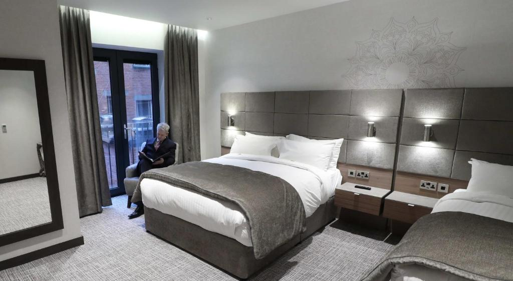 Ten Square Hotel Belfast Book Your Hotel With Viamichelin