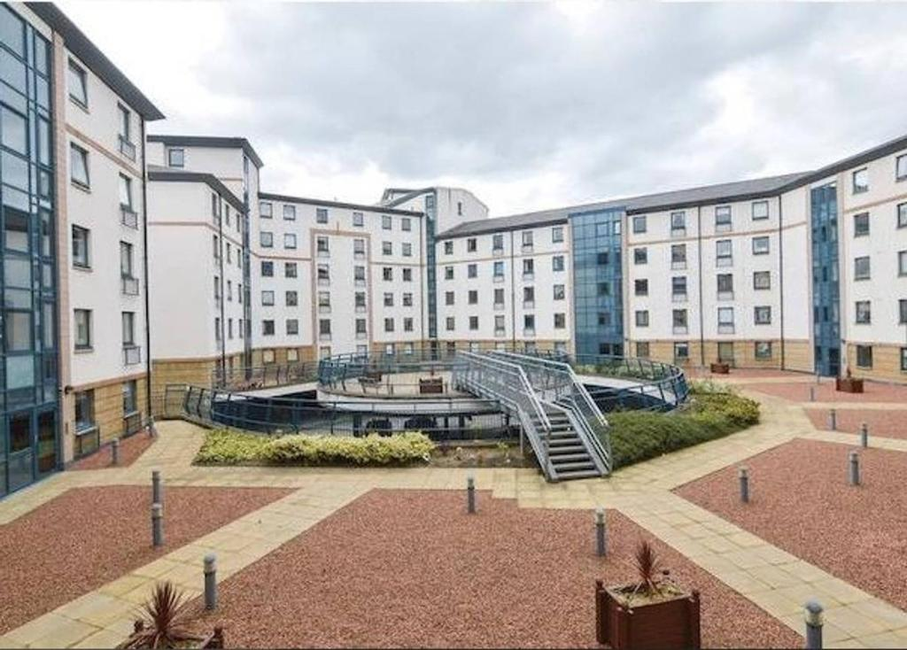 Riverside Apartments by Edinburgh City Apartments