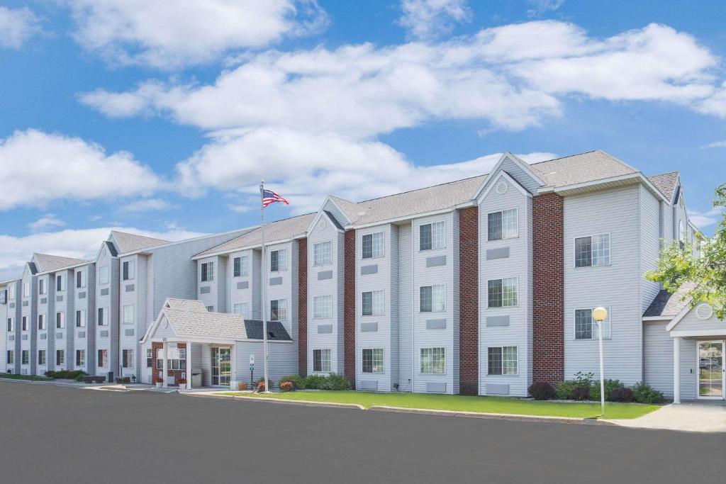 Microtel Inn & Suites by Wyndham Fond Du Lac