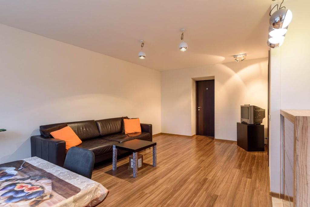 Apartment on Prospekt Rayevskogo 10