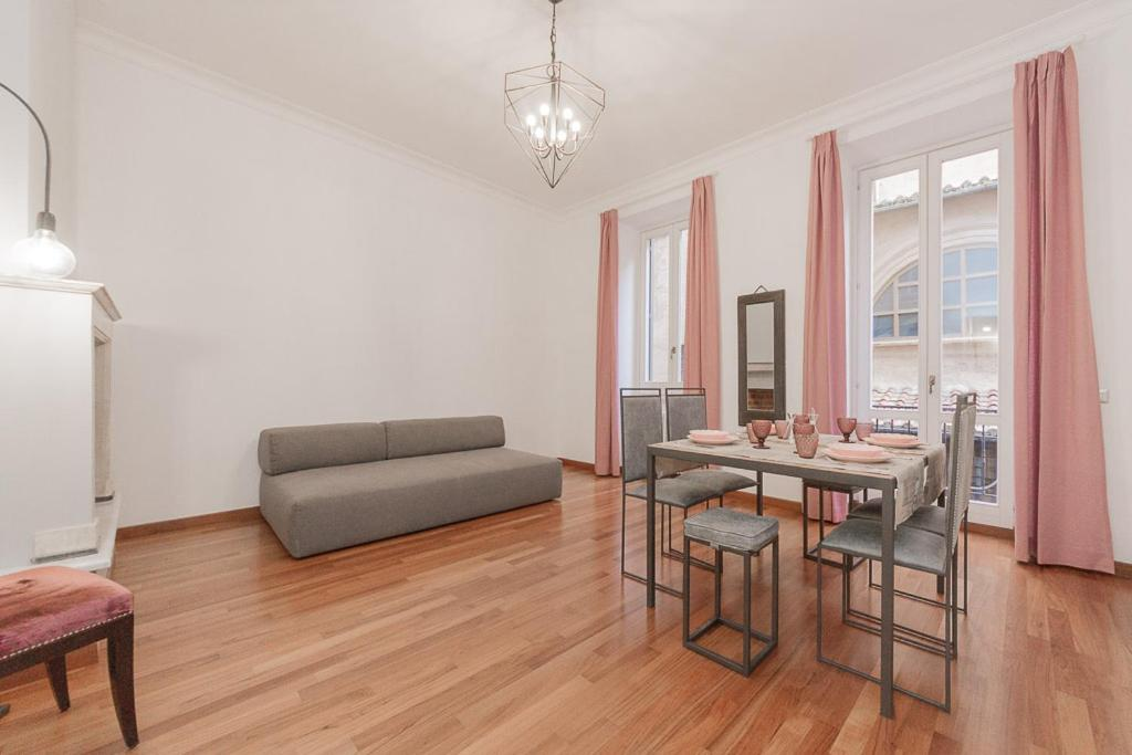 Alle 32 ansehen Babuino - Apartment with Gym