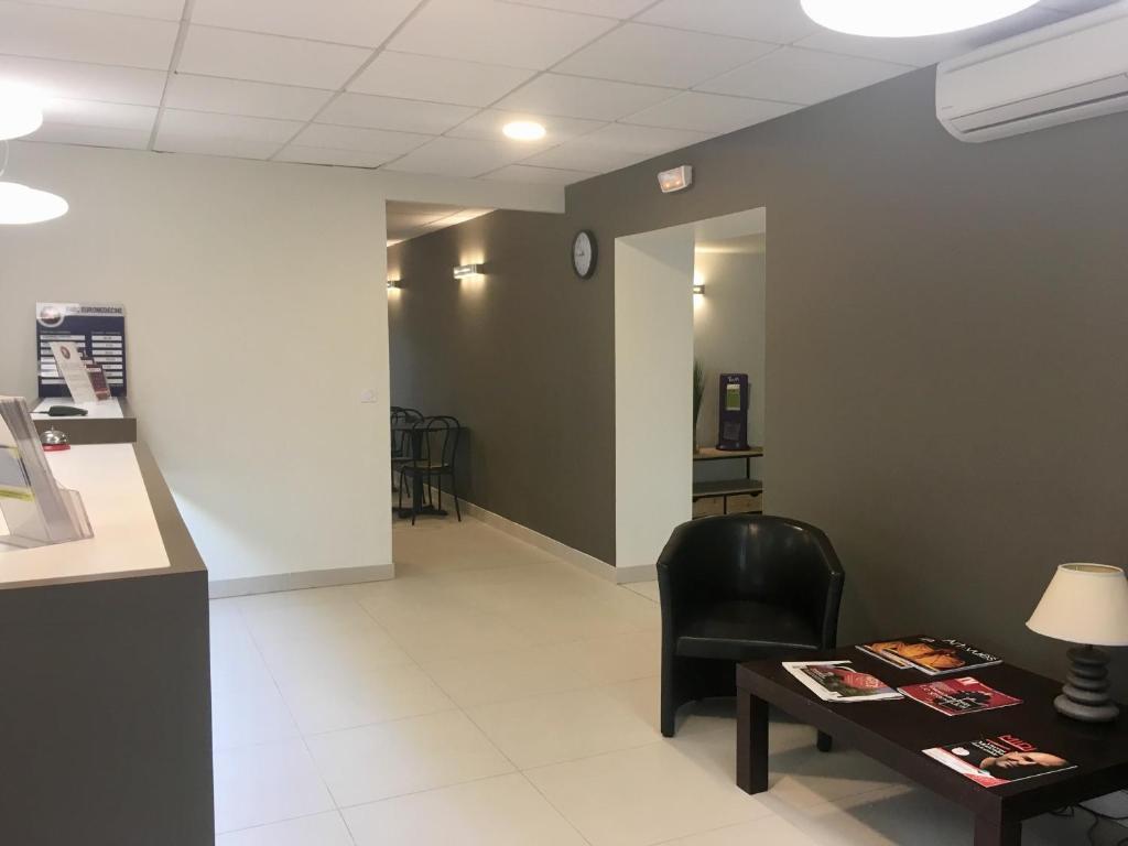 inter hotel montpellier du parc eurom decine montpellier online booking viamichelin. Black Bedroom Furniture Sets. Home Design Ideas