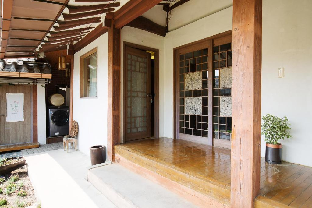 Hotels in Wanju, South Korea - price from $43 | Planet of Hotels