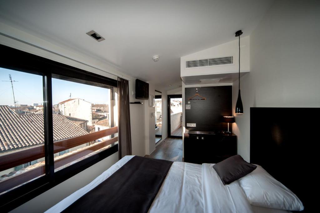 central hotel n mes viamichelin informatie en online reserveren. Black Bedroom Furniture Sets. Home Design Ideas