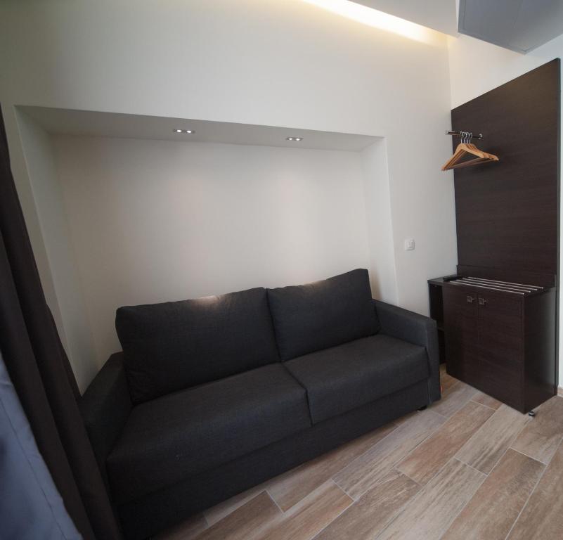 central hotel n mes prenotazione on line viamichelin. Black Bedroom Furniture Sets. Home Design Ideas