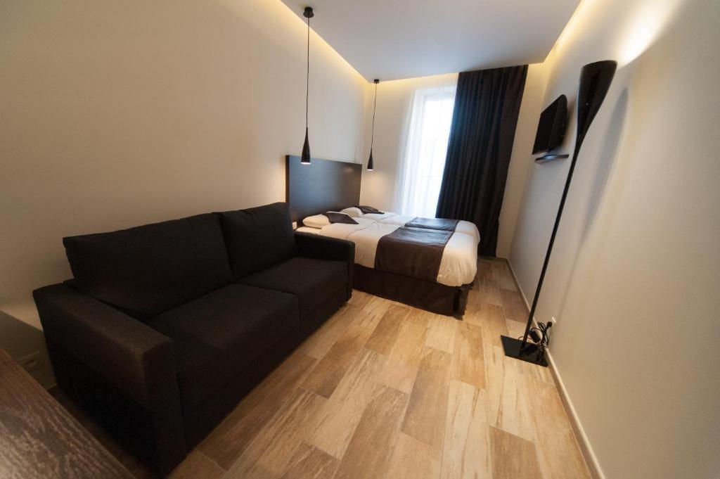 central hotel n mes informationen und buchungen online viamichelin. Black Bedroom Furniture Sets. Home Design Ideas