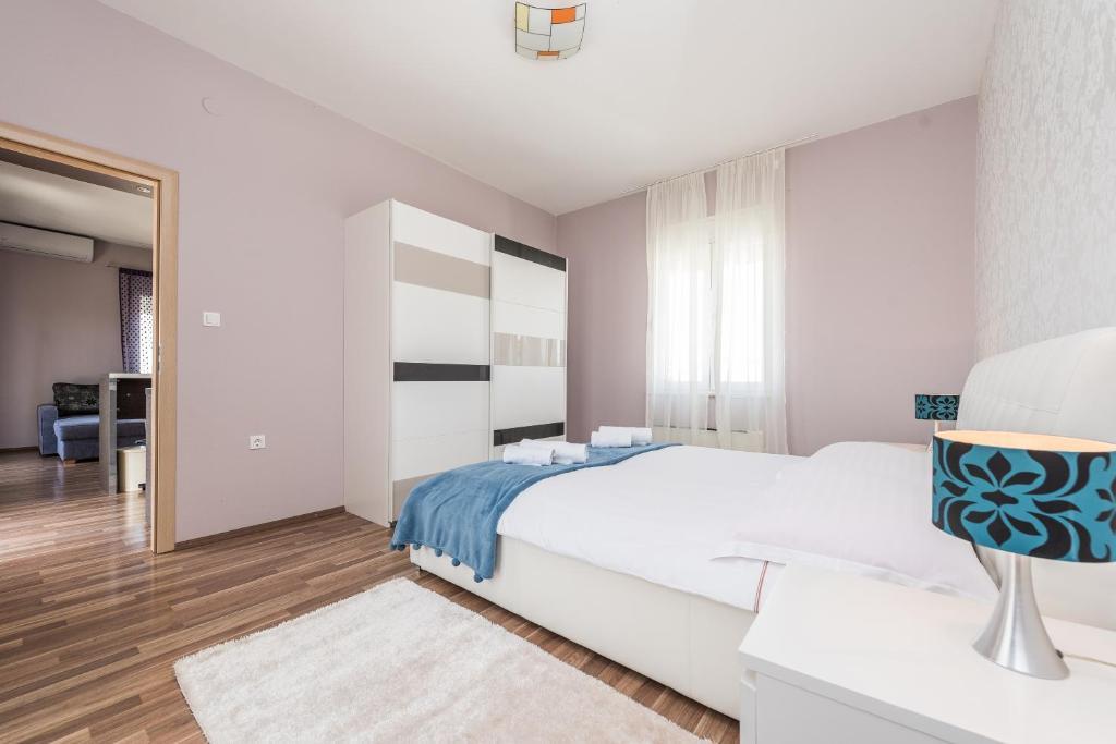Design apartments dijan suko an reserva tu hotel con for Design 8 hotel soest