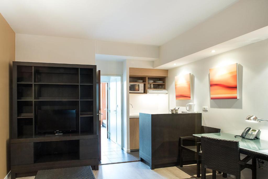 olivarius apart hotel lille villeneuve d 39 ascq villeneuve d 39 ascq informationen und buchungen. Black Bedroom Furniture Sets. Home Design Ideas