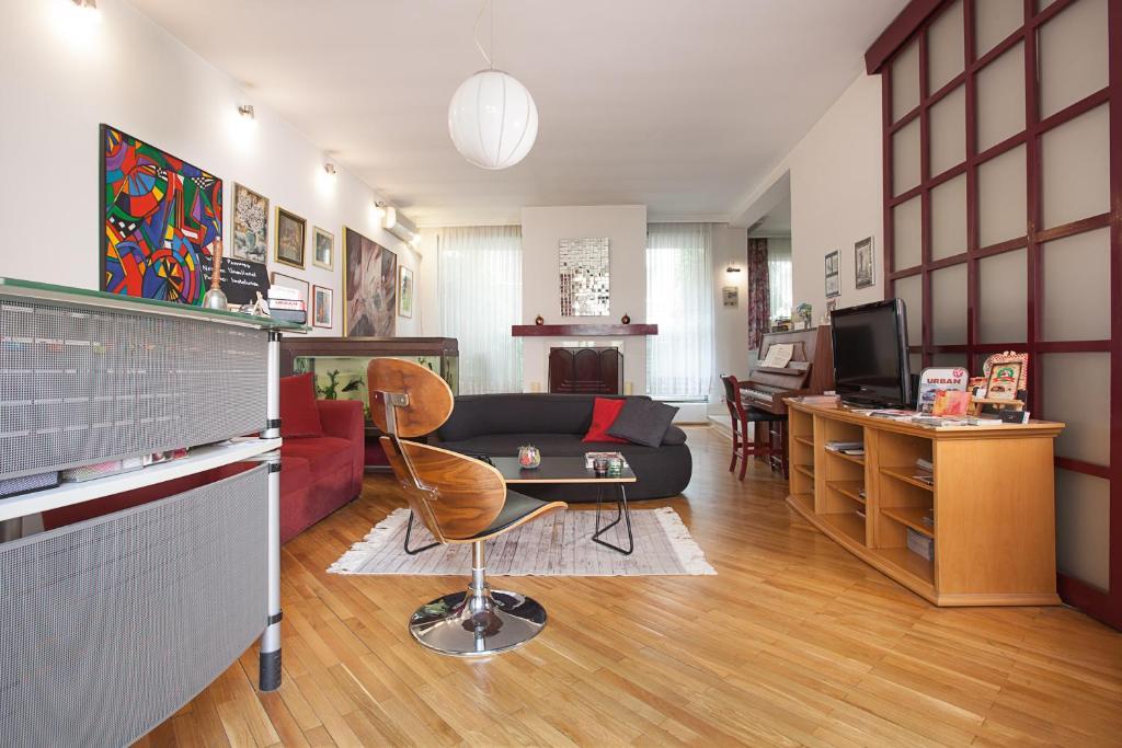 Urban Hostel & Apartments
