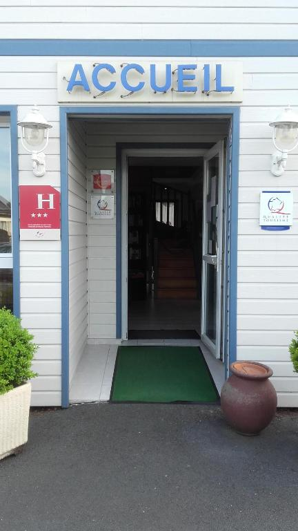Honfleur Hotels With Parking