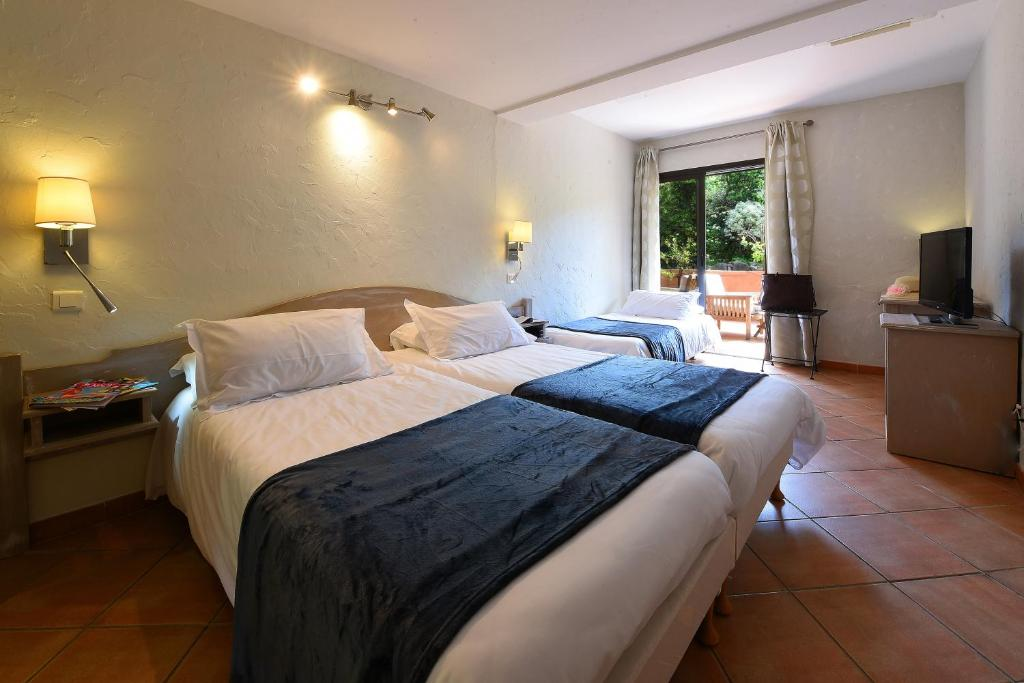 Ground Floor Double Room Park Side Hotel Castel d'Orcino