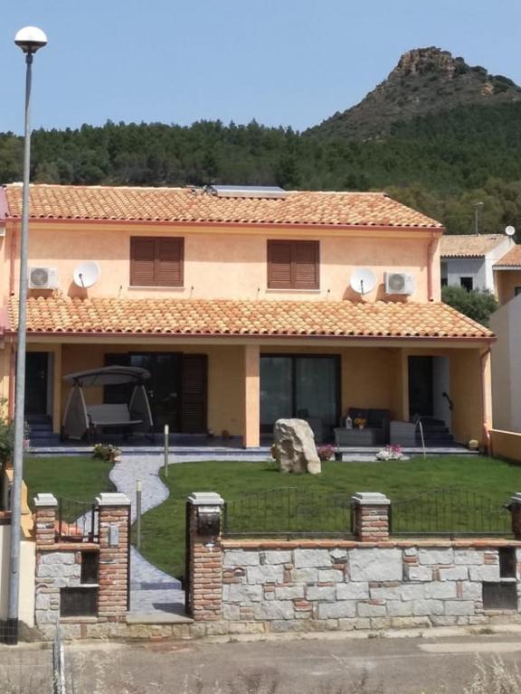 Villa Le Torri Porto Corallo image2
