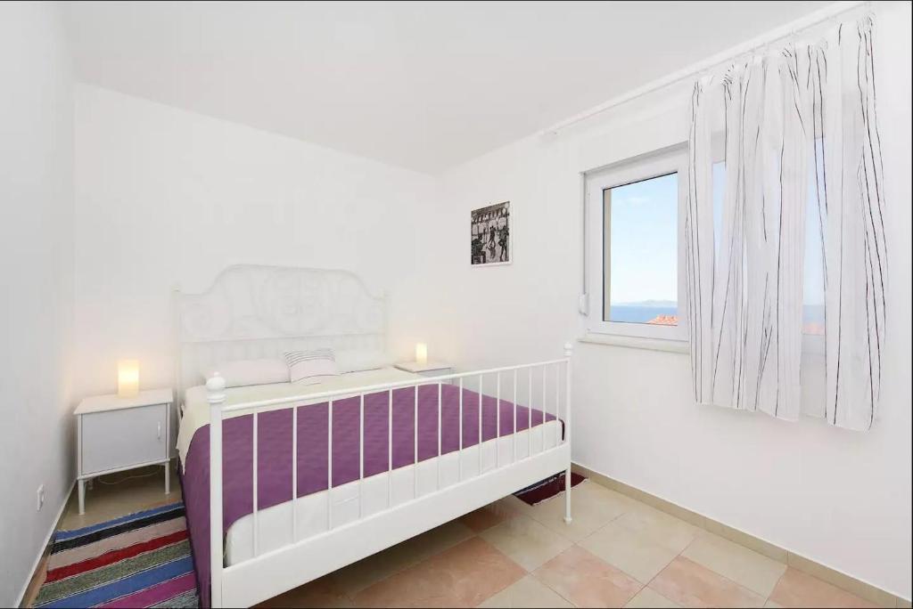 Apartments Otok 2