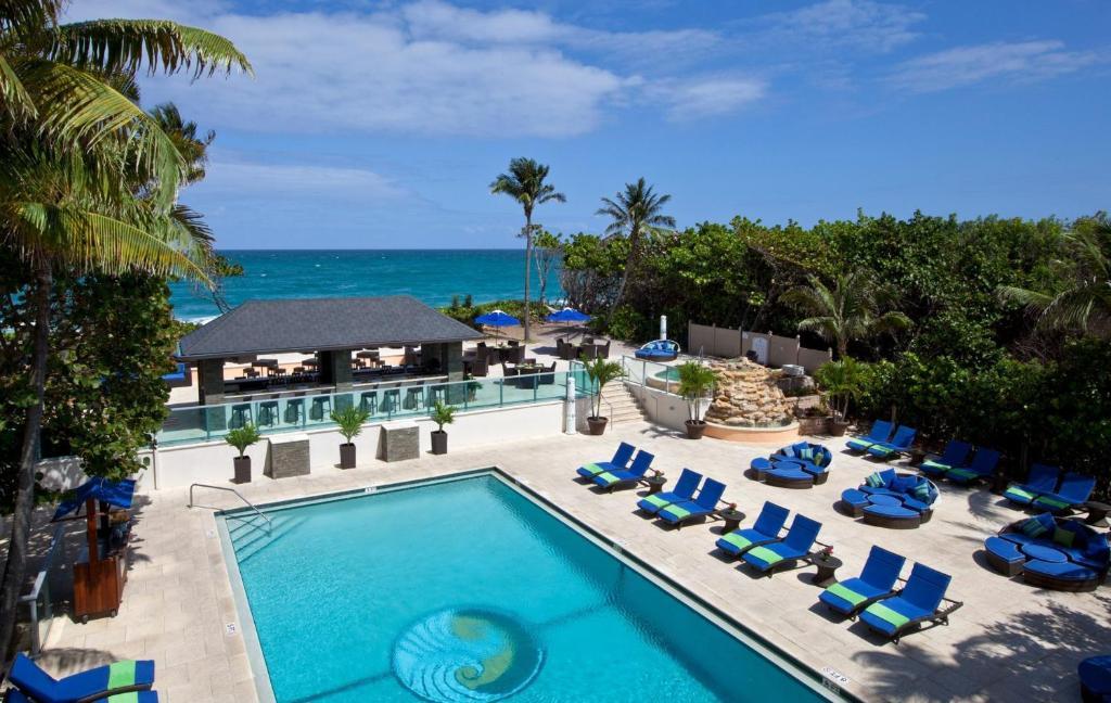 Jupiter Beach Resort Bar