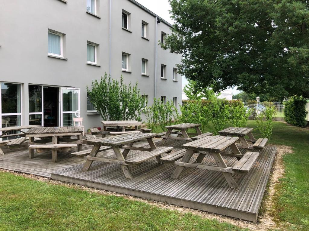 b b h tel montauban montauban reserve o seu hotel com viamichelin. Black Bedroom Furniture Sets. Home Design Ideas