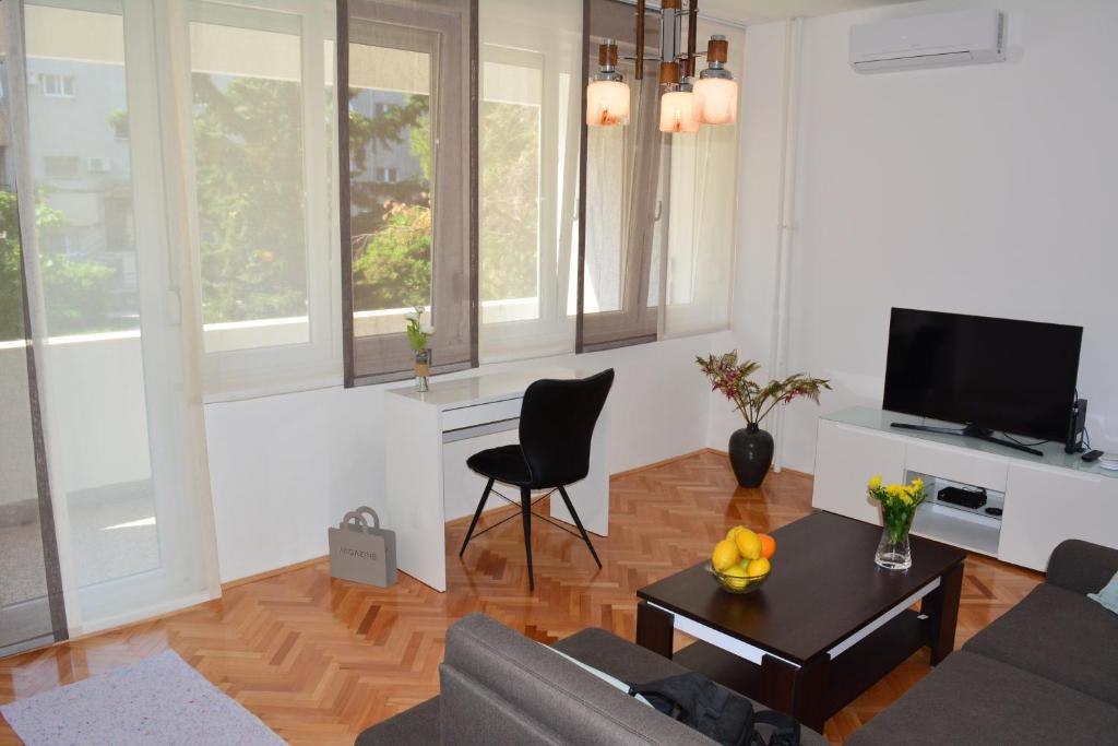 Apartment Demos