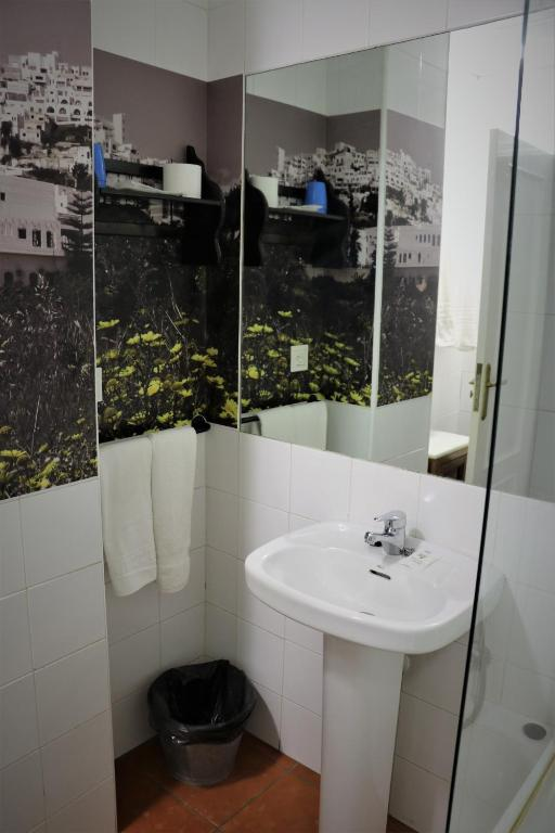 Double or Twin Room Hostal Arco Plaza