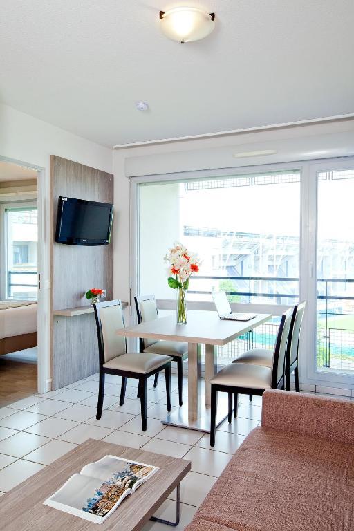 s jours affaires clermont ferrand park r publique clermont ferrand informationen und. Black Bedroom Furniture Sets. Home Design Ideas