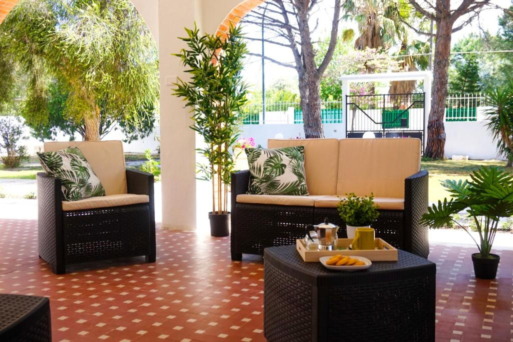 Seafront Aurelia apartmen with patio image4