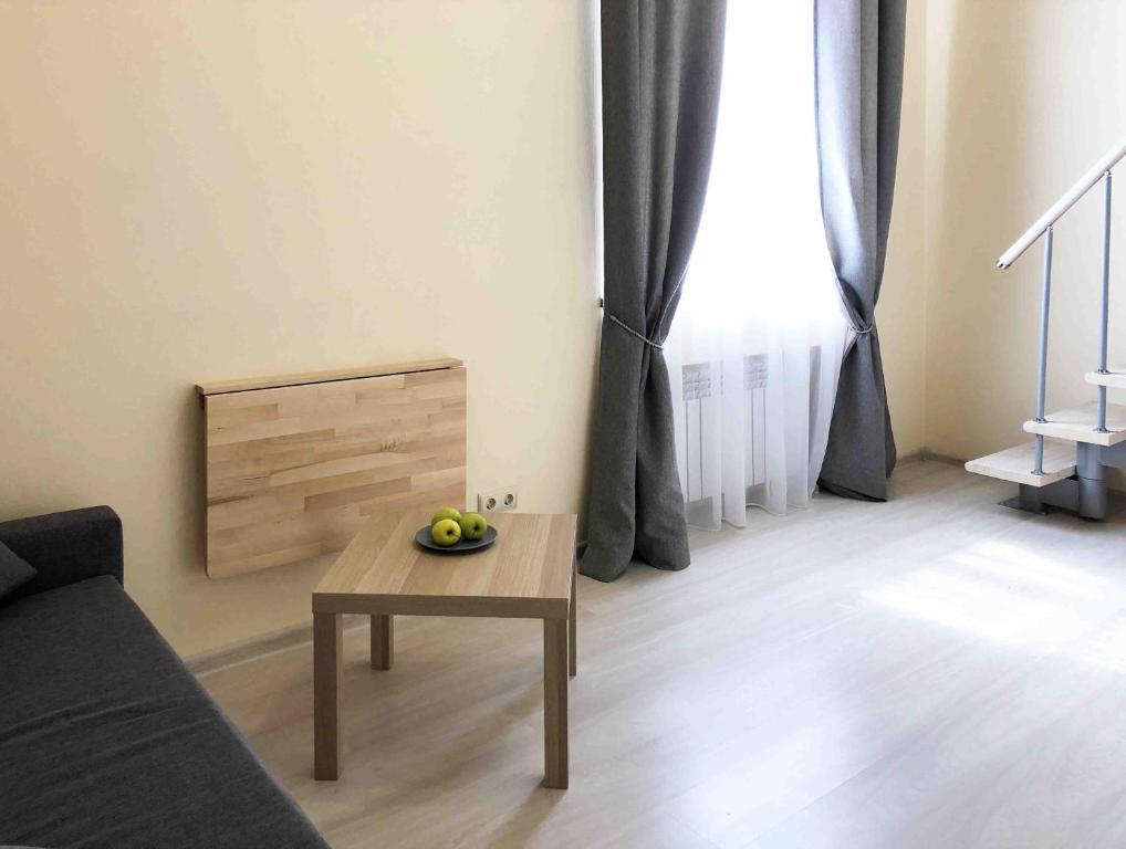 Apartment at B.Konyushennaya 2